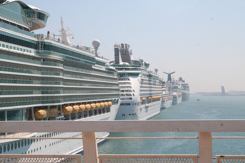 Cruise Liners Barcelona Golf